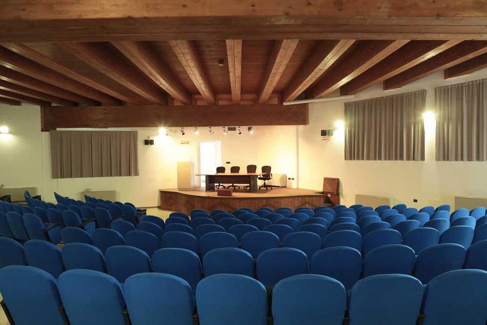casas-do-sol-auditorio-interior
